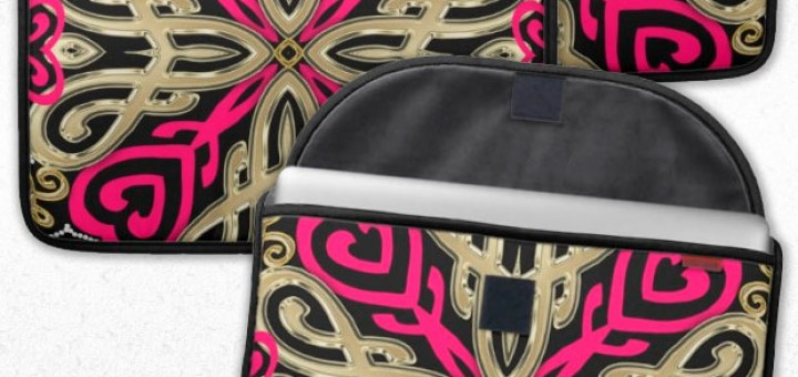 Hot Pink+Gold Tribal Love Laptop Sleeve for MacBook Pro